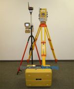 Topcon_IS-03_3_Imaging_Total_Station_FC2500_set-4.jpeg